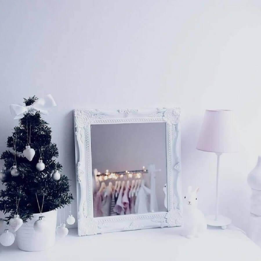 decoração clean com árvore de Natal pequena Foto Pinterest