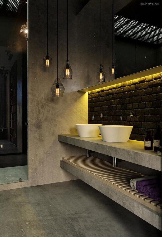 decoração com iluminação embutida para banheiro cinza e preto Foto The Decopages