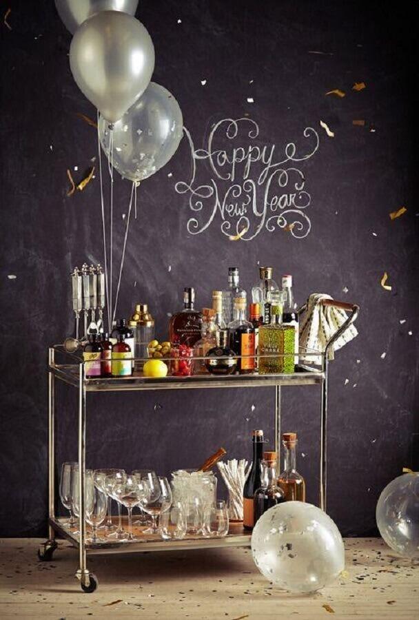 decoração de ano novo com carrinho bar Foto Simplichique