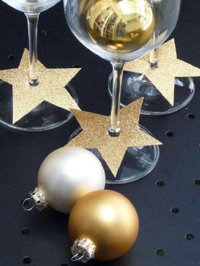 decoração de ano novo com taças decoradas Foto Home Decor Art
