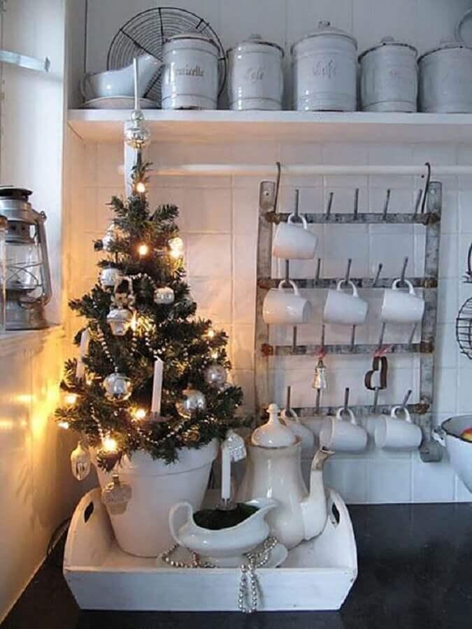 decoração de cozinha com árvore de natal pequena Foto Live Master