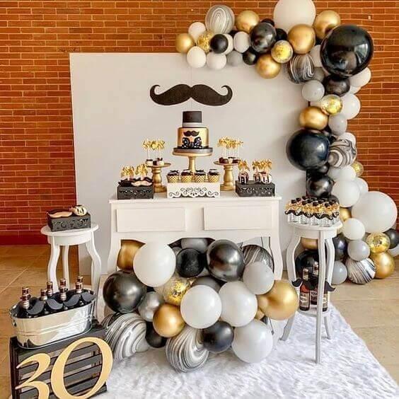 Decoração de festa simples para aniversário de 30 anos