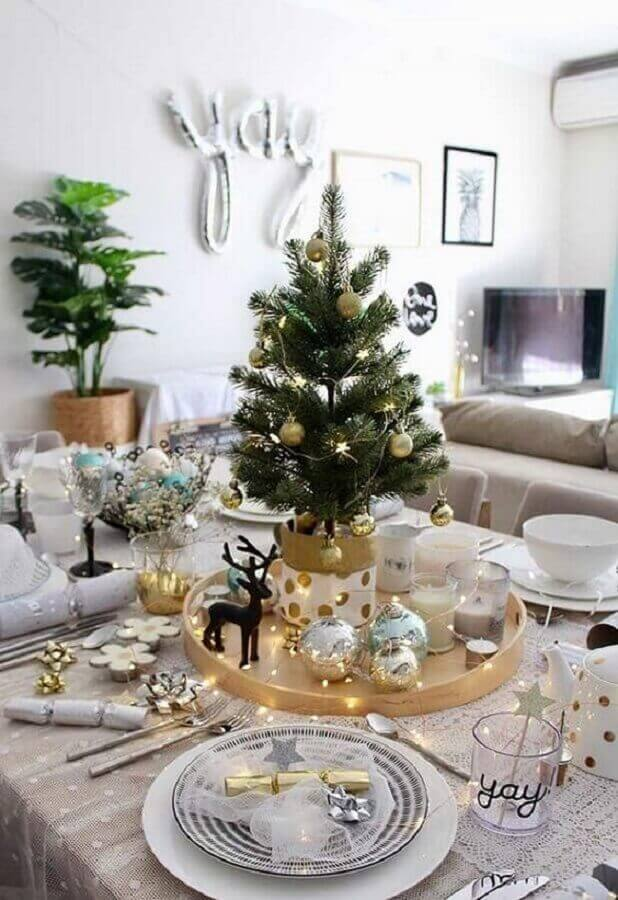 white and gold Christmas table decoration with small Christmas tree Photo Pinterest