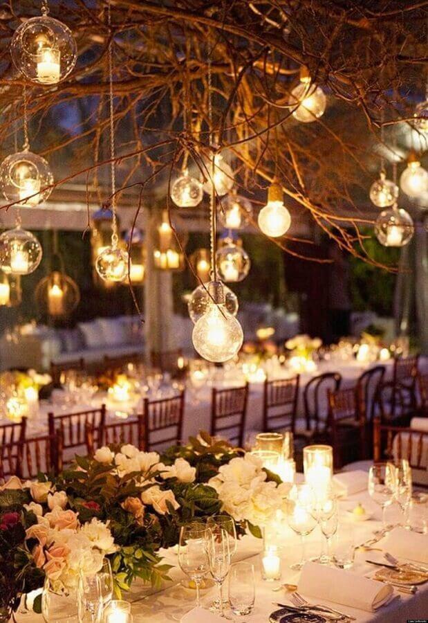 decoração delicada para casamento no campo a noite Foto Wedding Ideas