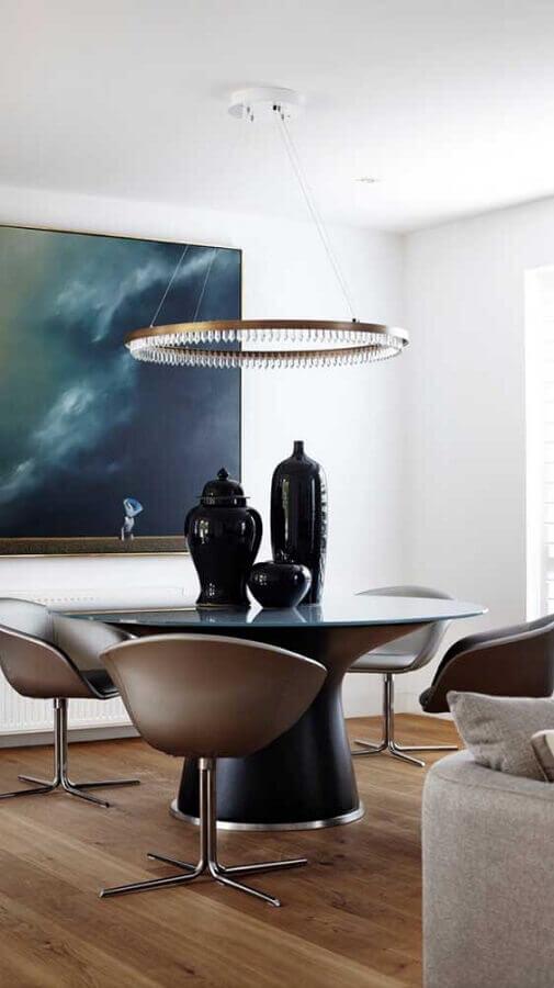 decoração moderna com cadeira de jantar giratória Foto Assetproject