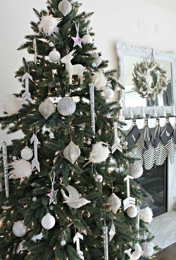 decoração prata com enfeites para árvore de natal Foto Ideias Decor