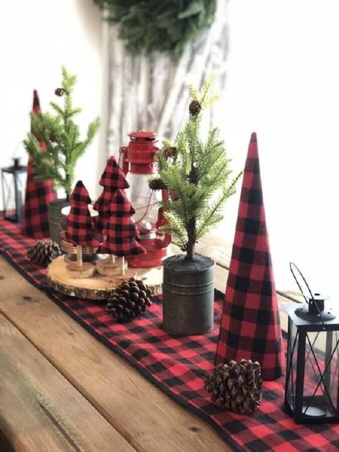decoração rústica para mesa com árvore de Natal pequena Foto Pinterest