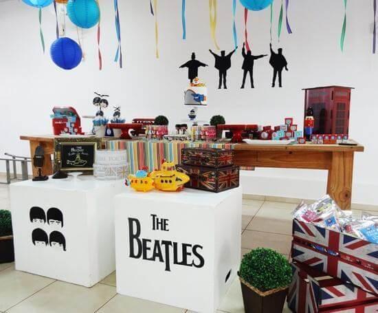 Festa de 18 anos com temática dos beatles