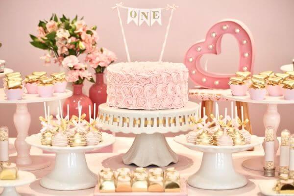 Decoração de festa de aniversário simples
