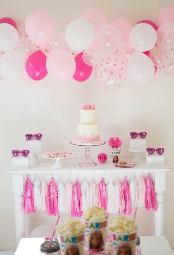 Decoração de festa simples da barbie