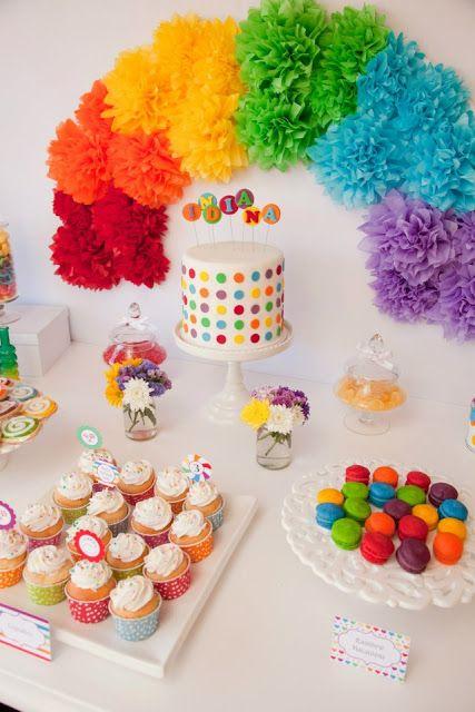 Decoração de festa simples e barata colorida