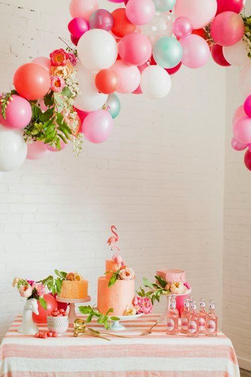 Decoração de festa simples com tema flamingo