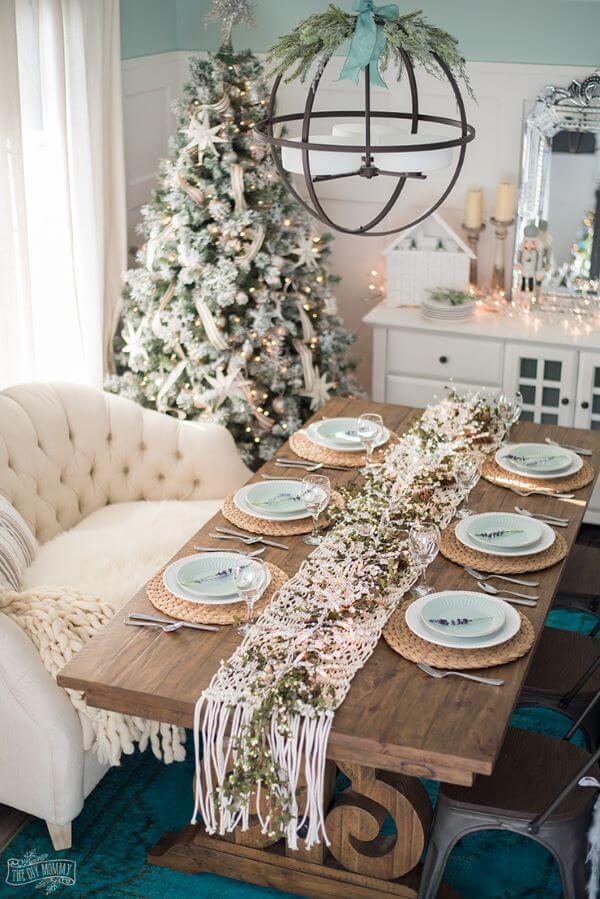 Mesa de natal simples em verde e branco