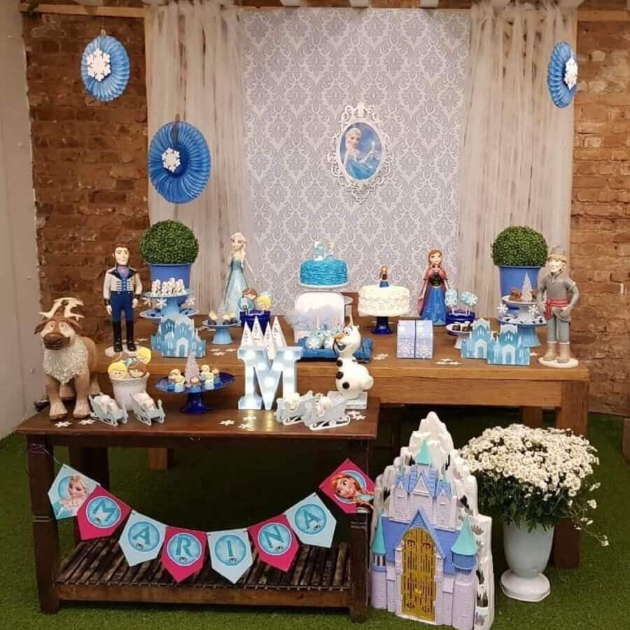 detalhes rústicos para festa simples da frozen Foto Claudia Marinelli Cakes