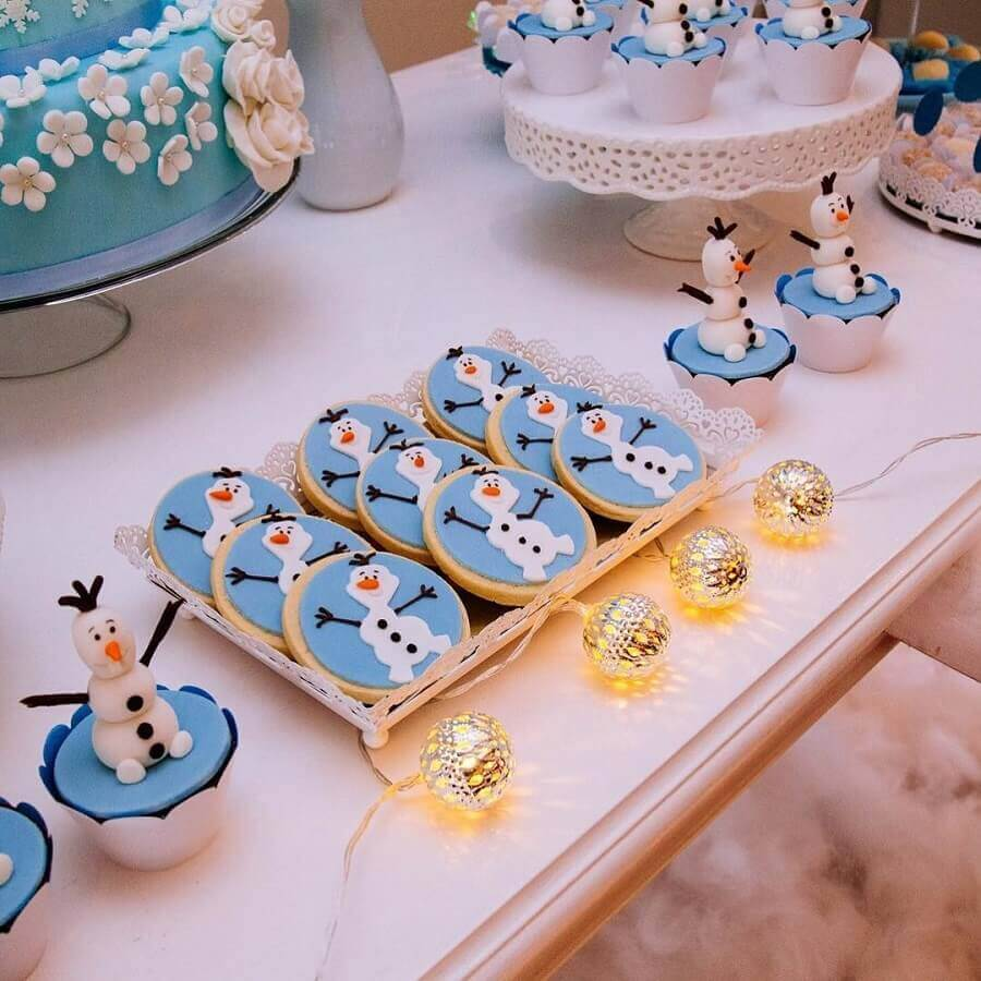 docinhos personalizados para mesa de doces da festa da frozen Foto Di Nicole Ateliê