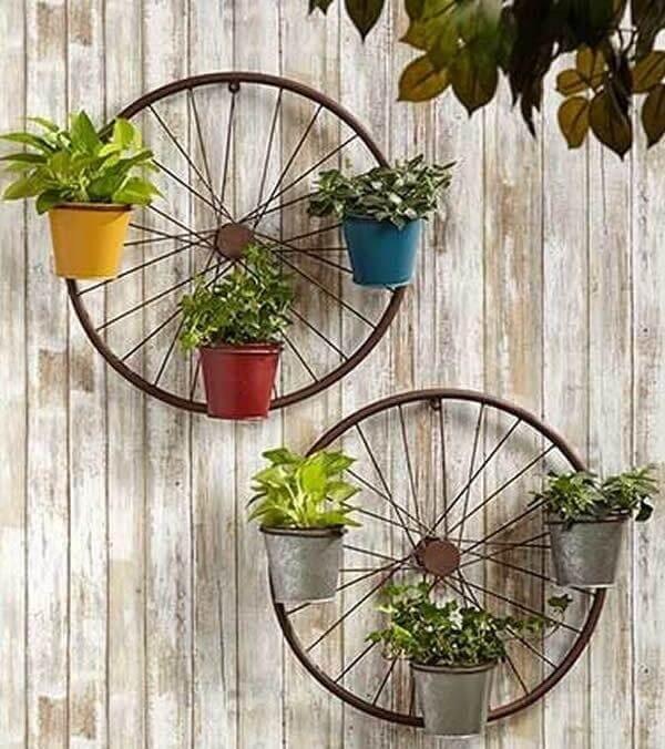 Com muita criatividade e imaginação é possível criar lindos enfeites para jardim