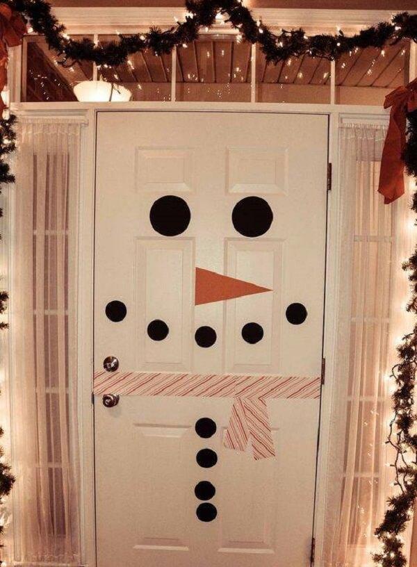 Enfeite de natal para porta feita com adesivo