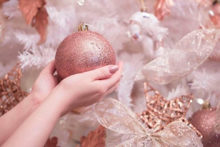 enfeites para árvore de natal rose gold Foto Patty Lye