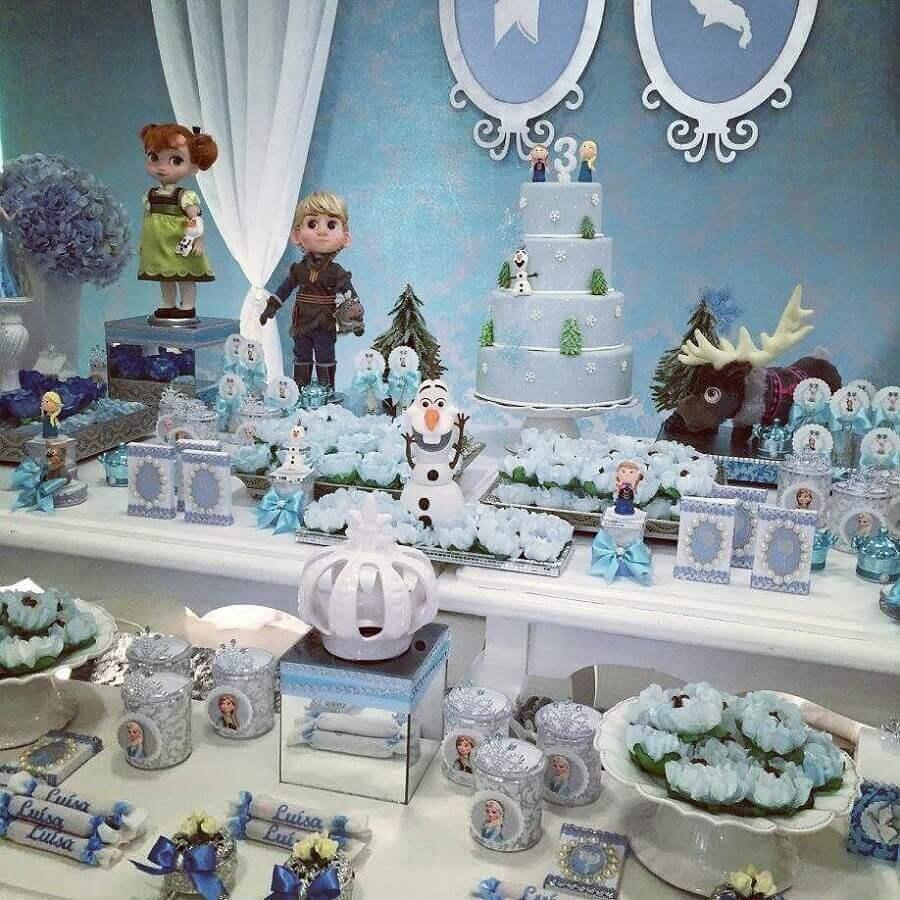 enfeites para decoração de mesa de festa infantil da frozen Foto Daniela Ursino