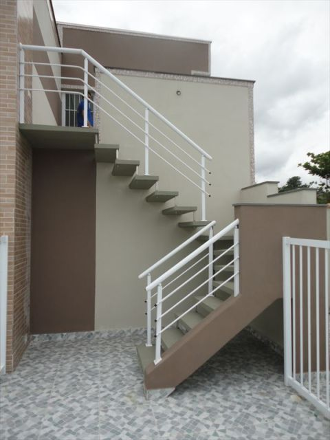 escada externa - escada com corrimão branca