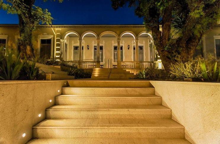 escada externa - escada com iluminação de orientação