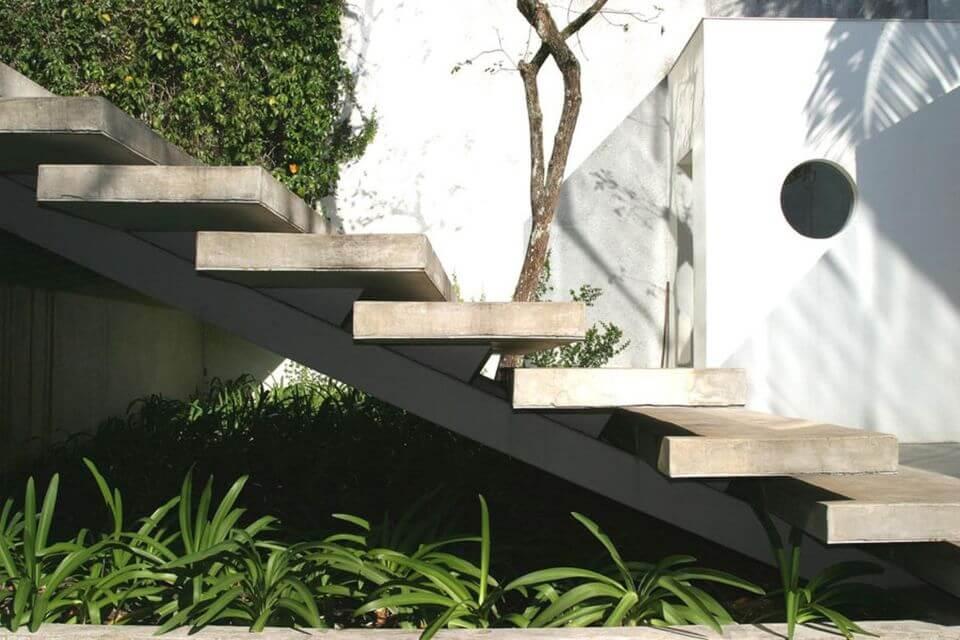 escada externa - escada de pedra