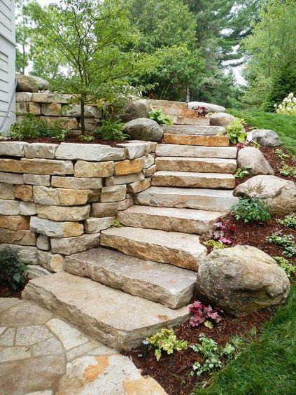 escada externa - escada de pedra rústica