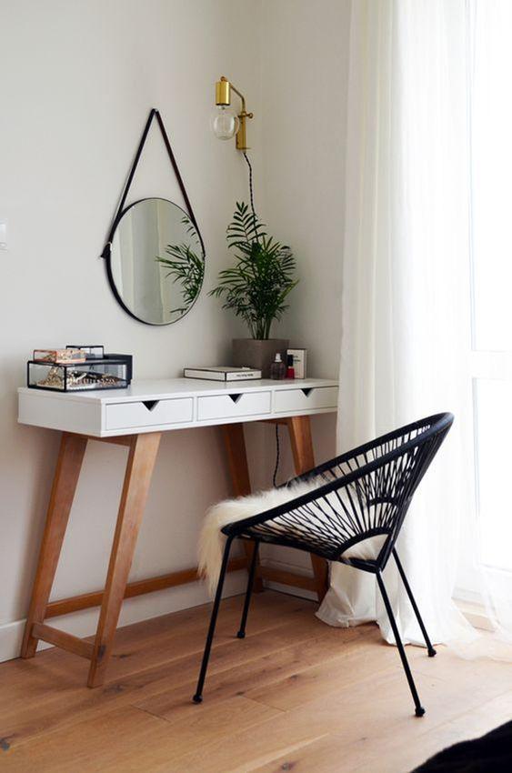 espelho adnet - escrivaninha branca com cadeira preta