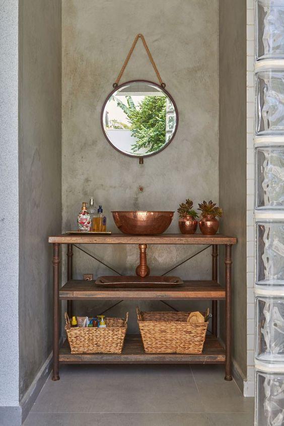 espelho adnet - parede de cimento queimado e bancada de madeira