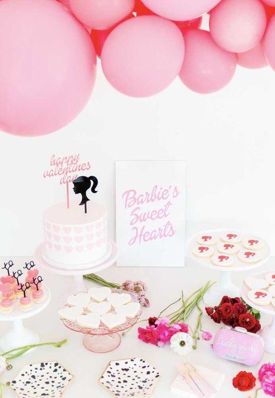 Festa da barbie simples em tons de rosa