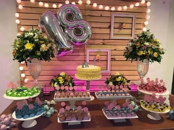 Festa de 18 anos simples e barata