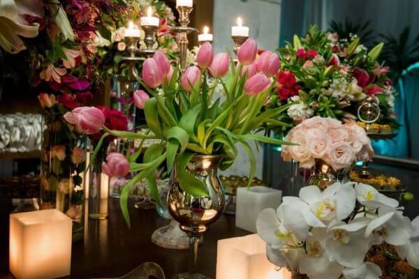 Flores para casamento com tulipas e orquídeas