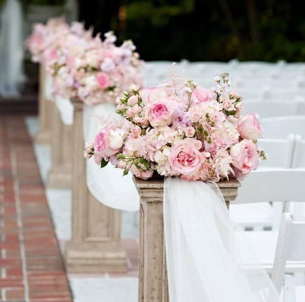 Flores para casamento no caminho da noiva