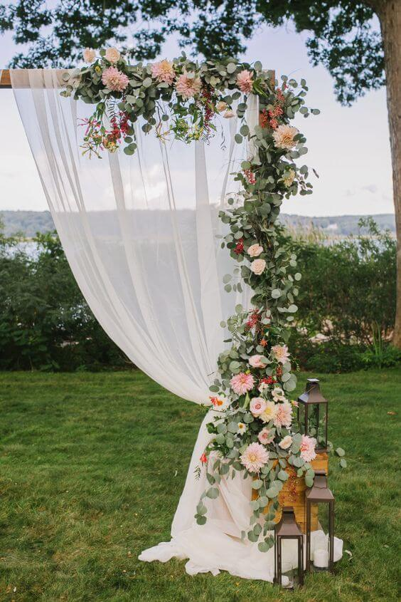 Flores para decoração de casamento rústico
