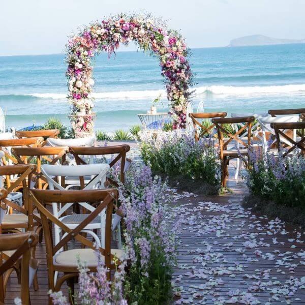 Flores para decoração de casamento em tons de lavanda