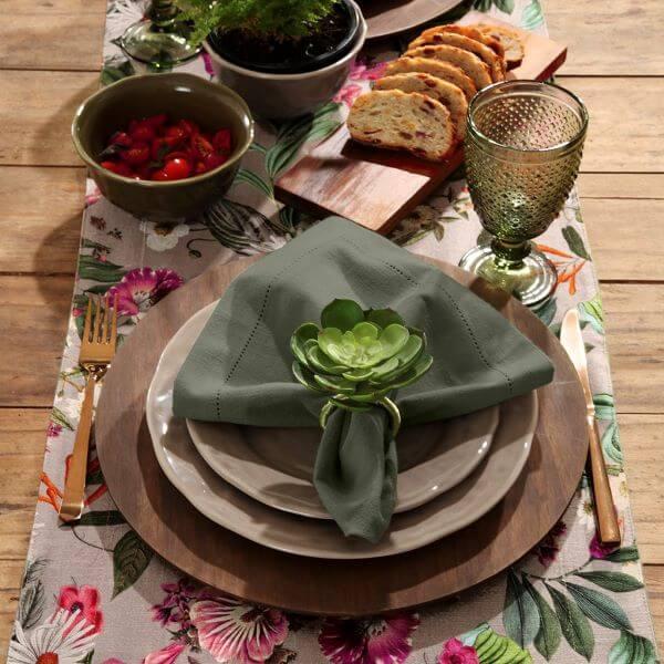 Guardanapo de tecido verde com suculentas