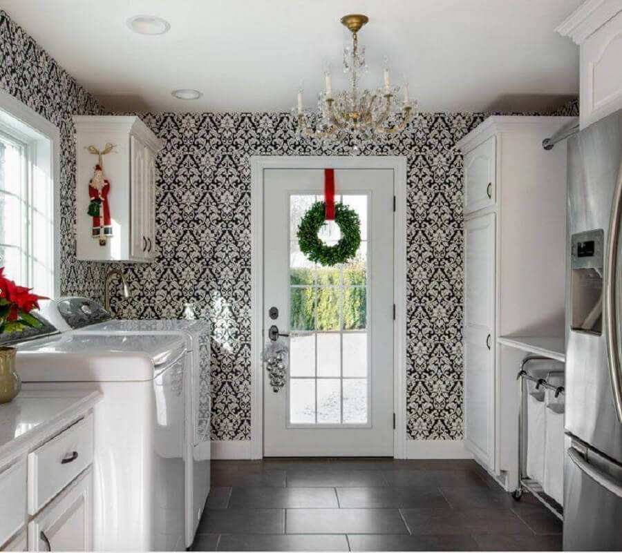 Christmas decorative garland for kitchen Photo Apartment Therapy
