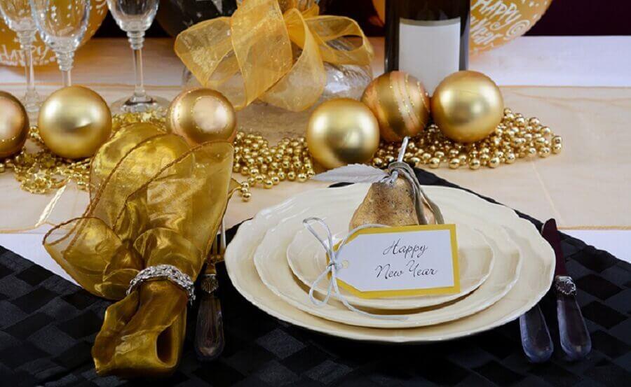 ideia de decoração mesa réveillon Foto Istock