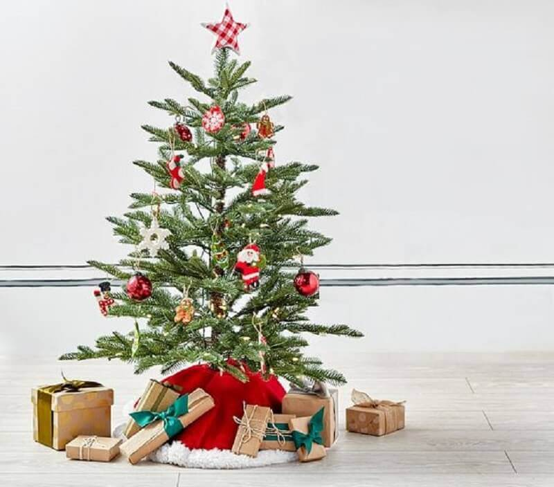 ideia de decoração para árvore de Natal pequena Foto Pottery Barn Kids