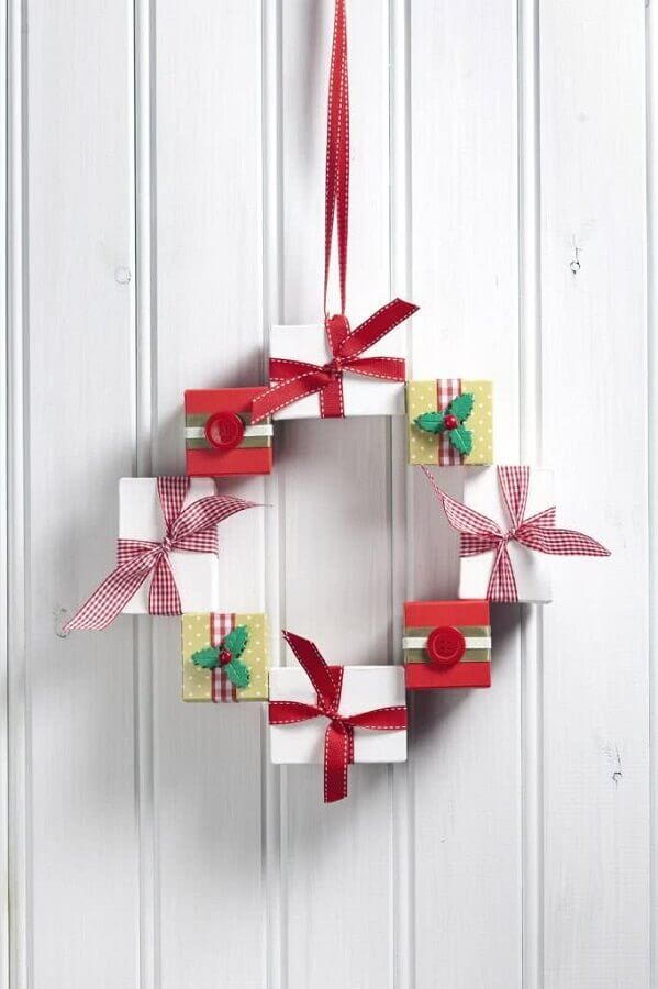 Christmas decoration ideas with simple garland Foto Pinterest