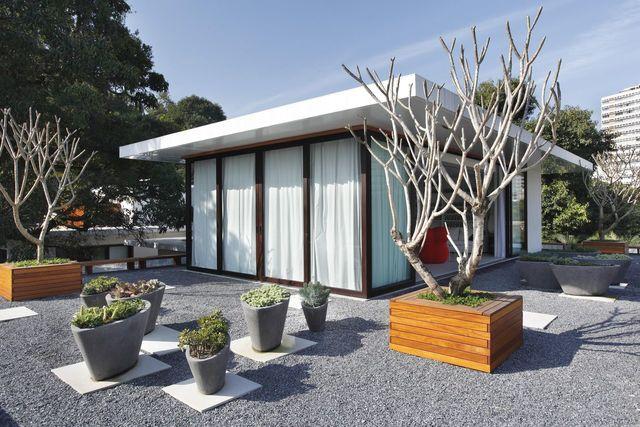 jardim residencial - vasos cinzas