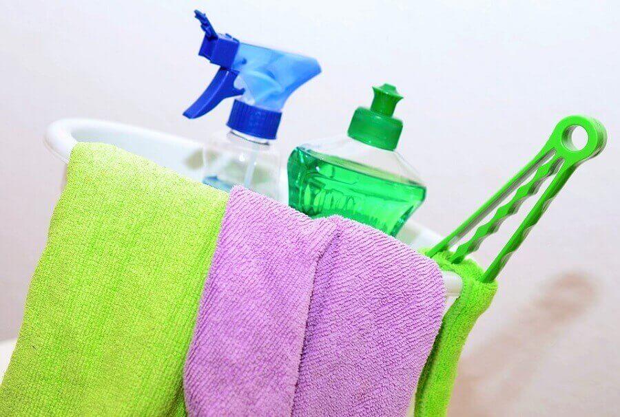 kit de limpeza para banheiro