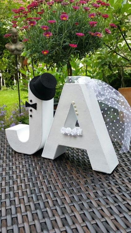 letras decorativas - J e A decorativos brancos