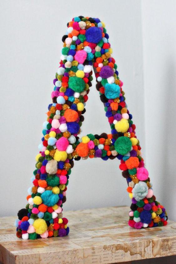 letras decorativas - letra a com pompons
