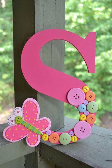 letras decorativas - letra s rosa decorada com botões