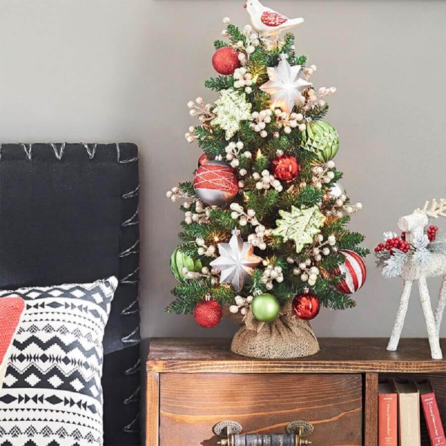 lindos enfeites para decoração de árvore de natal pequena Foto Lowe's