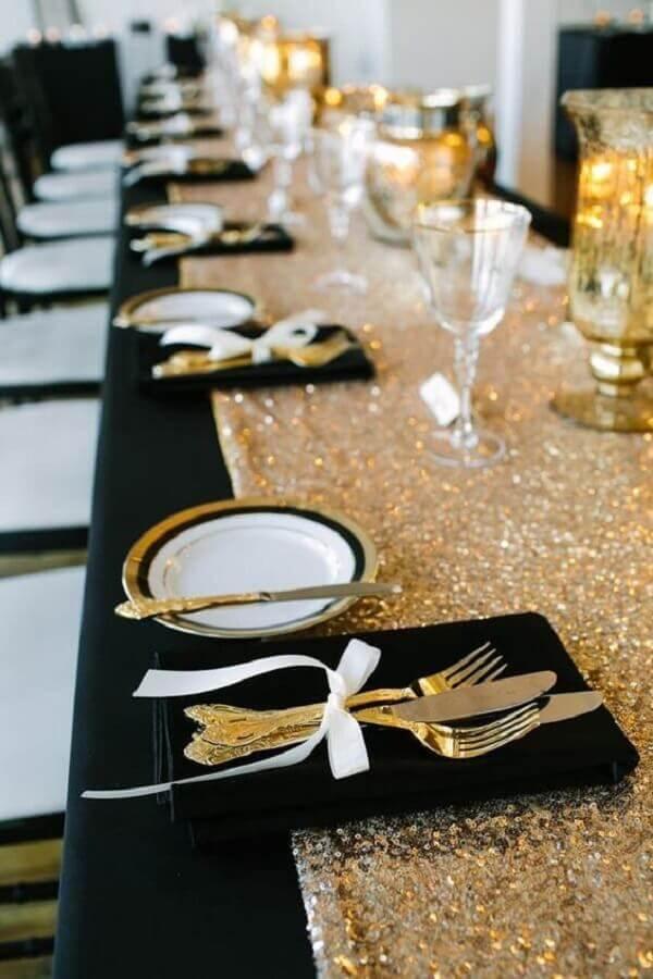 mesa de ano novo decorada preta e dourada Foto Etsy