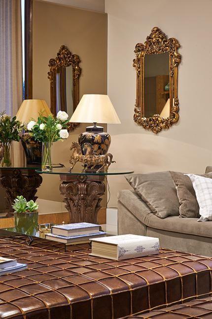 mesa de canto para sala - mesa de canto de capitel coríntio e espelho moldura