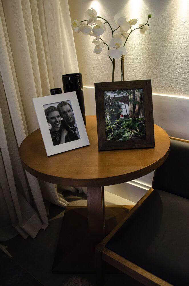 mesa de canto para sala - mesa de canto de madeira com porta retrato