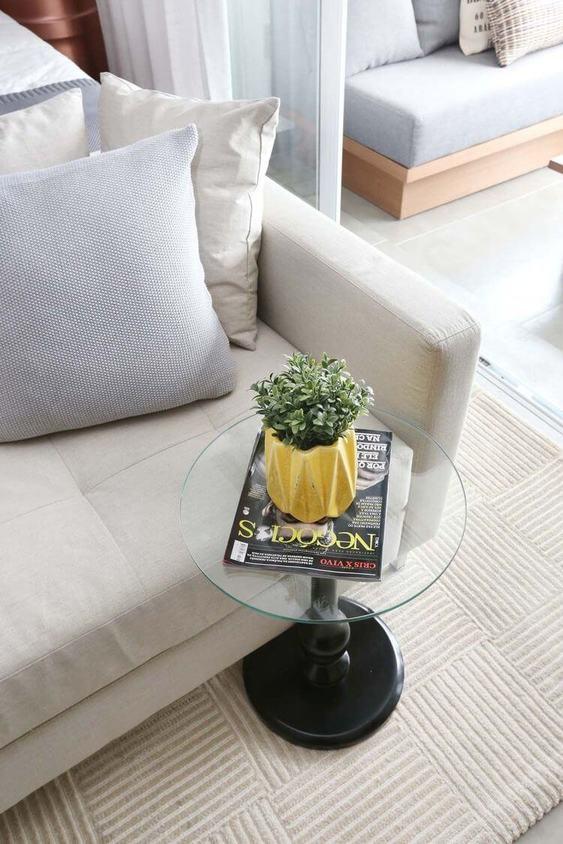 mesa de canto para sala - mesa de canto de vidro redonda